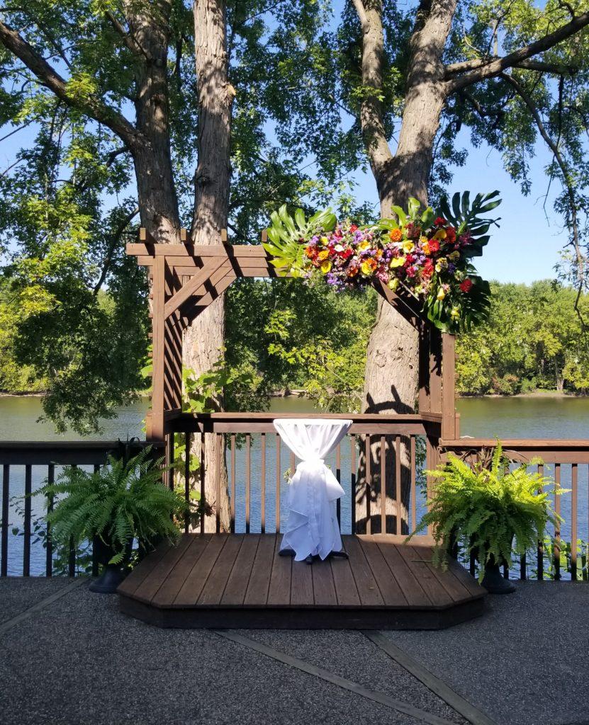 Outdoor Wedding Wisconsin: Custom Outdoor Weddings La Crosse Wi